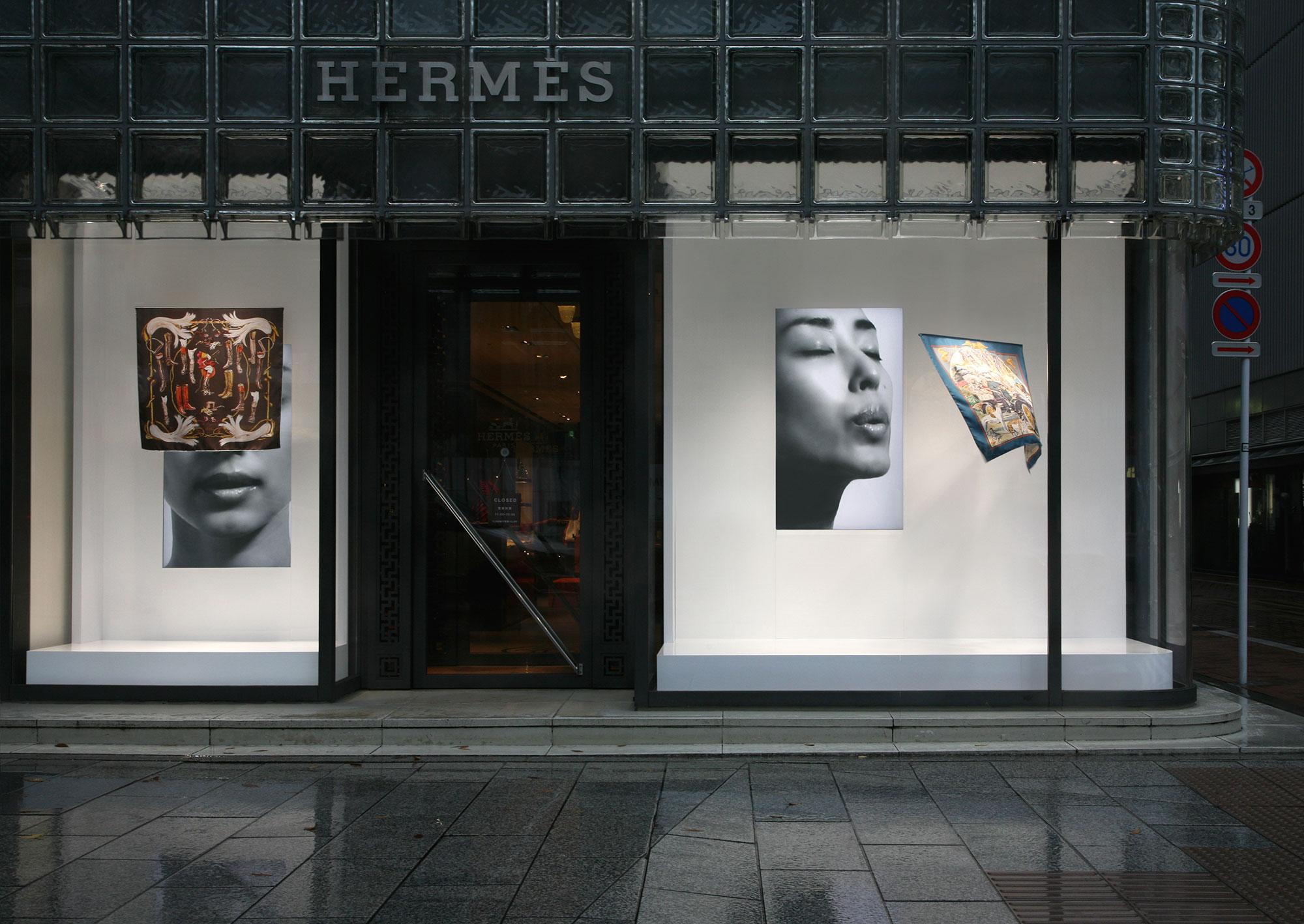 メゾンエルメスのウィンドウディスプレイ「吐息」(2009/11/19-2010/1/19) | Courtesy of Hermès Japon