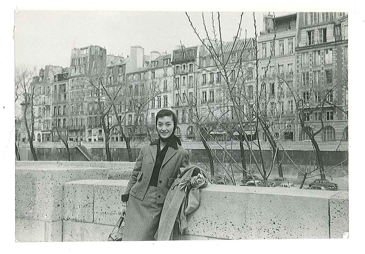 1956年 大内順子氏 初ヨーロッパ旅行 パリにて