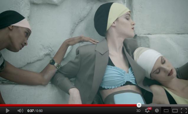ファッションフィルム vol.69: バレンシアガが2013年春夏キャンペーン映像を公開 - スティーブン・マイゼルやパット・ マグラスなどが参加
