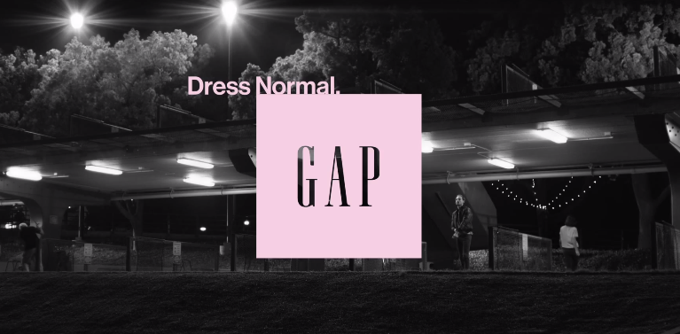 Gapの2014年秋の新スローガンは「Dress Normal」- デヴィッド・フィンチャーによる新キャンペーン映像を公開