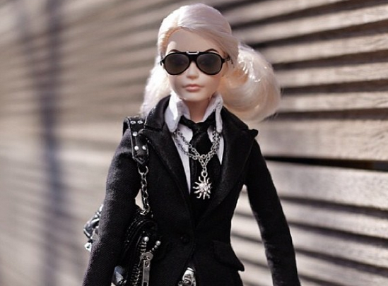 Karl Lagerfeld (カール・ラガーフェルド) のバービー人形が『Net-a-Porter (ネッタポルテ)』で登場