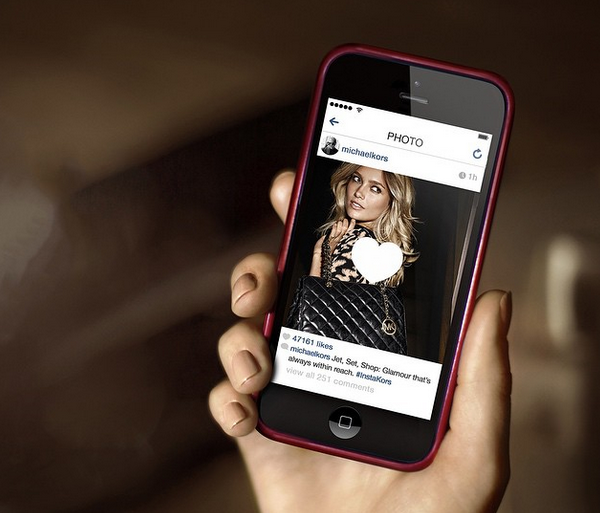 Michael Kors (マイケル コース) が『Instagram (インスタグラム)』でショッピングをより手軽にできる「#InstaKors」をローンチ