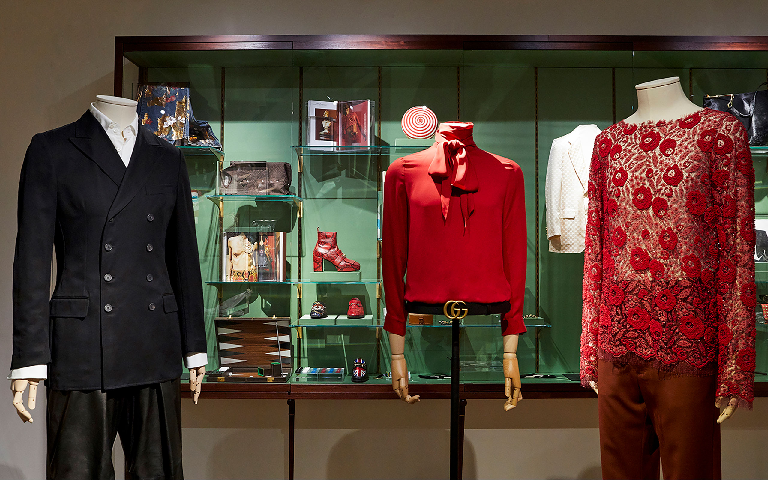 """Gucci Garden Holds """"Il Maschile-Androgynous Mind, Eclectic Body"""" Exhibition"""