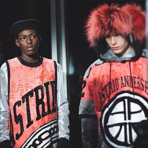 ロンドンの若手デザイナー Astrid Andersen (アストリッド・アンデルセン) が、2015年秋冬ニューヨーク ファッションウィークで初のオーダーメイドコレクションに挑戦