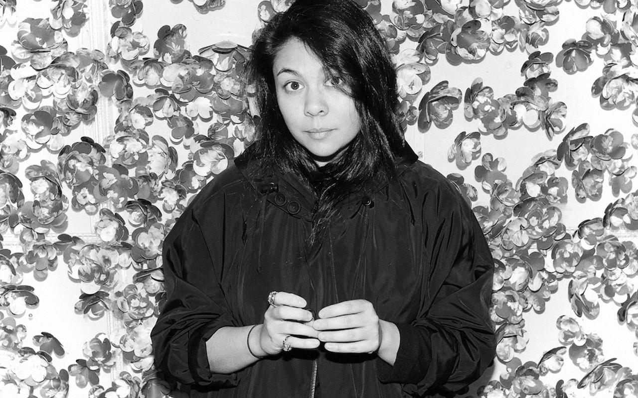 【インタビュー】Simone Rocha (シモーネ・ロシャ) が語る、加速化するファッショントレンドとクリエイションの関係