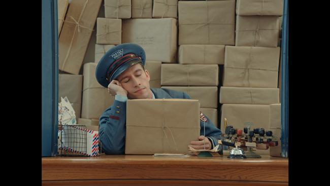 Prada  (プラダ) よりプラダ ガレリアバッグ主役のユーモラスなショートフィルムシリーズ「The Postman Dreams (ポストマン ドリームズ)」公開