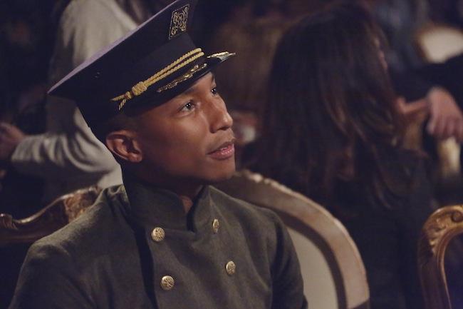 アーティストの Pharrell Williams (ファレル・ウィリアムス)。  © Chanel