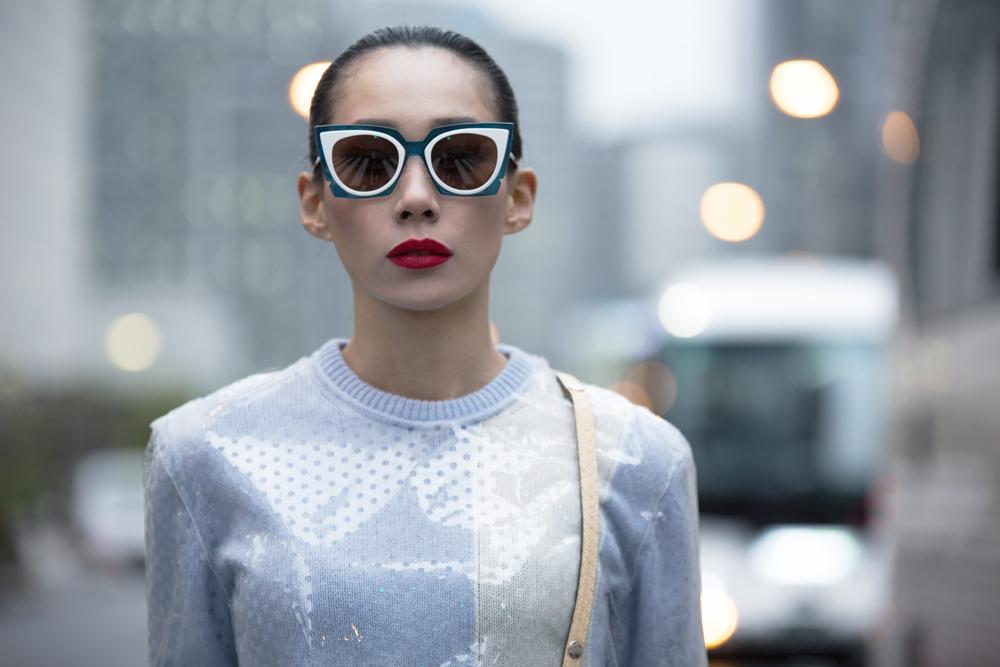 世界を駆け巡るファッションセレブリティ、Mademoiselle Yulia (マドモアゼル・ユリア) が語る、インターネット世代の未来