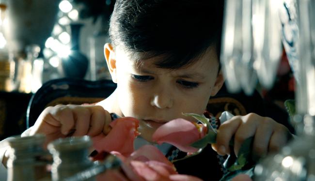 Xavier Dolan (グザヴィエ・ドラン) 出演作『エレファント・ソング』 と洋菓子店「パティスリーQBG」がコラボ