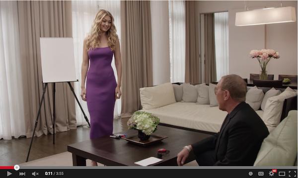 イット・ガールの Gigi Hadid (ジジ・ハディド) がデザイナー Michael Kors (マイケル・コース) に明かす、後ろめたくてもやめられない快感