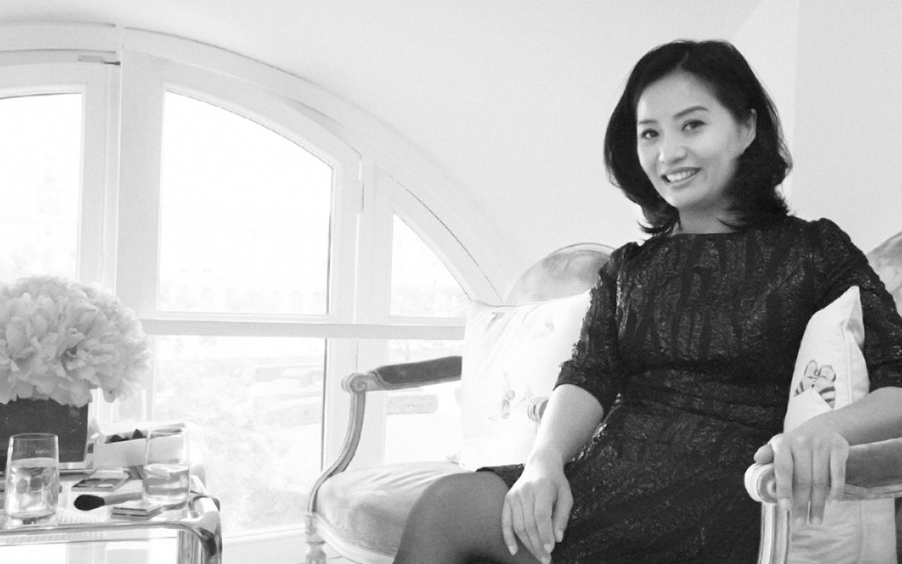 【独占インタビュー】アジア人クチュールデザイナー Guo Pei (グオ・ペイ) と M・A・C (マック) がコラボコレクションを発表
