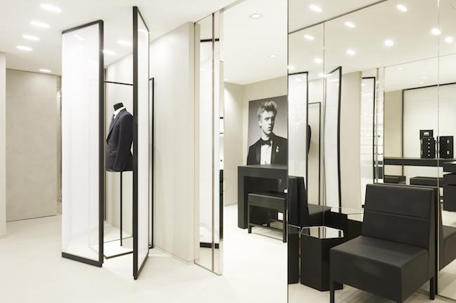 DIOR HOMME (ディオール オム) が、パリに新たな旗艦店をオープン