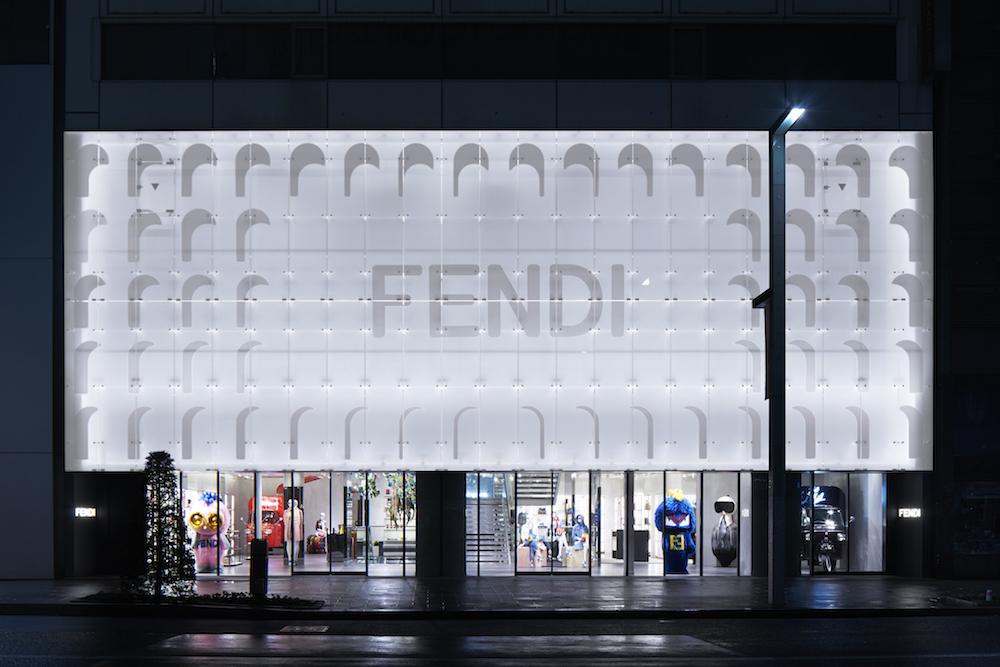 銀座に突如出現、Fendi (フェンディ) の巨大ポップアップストアがオープン