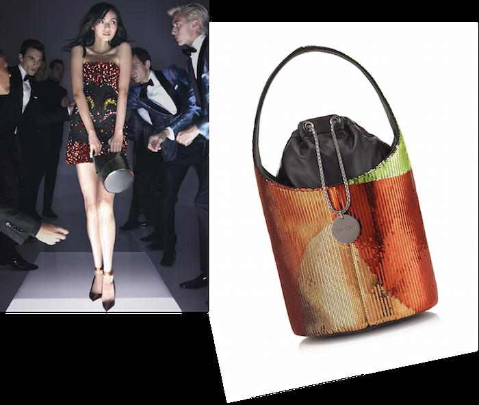 シマーなスパンコールで埋め尽くされたバケットバッグは、どこかオーパーツのようなユニークな出で立ち。TOM FORD (トム フォード) バッグ ¥ 387,000 (予定価格) | © TOM FORD