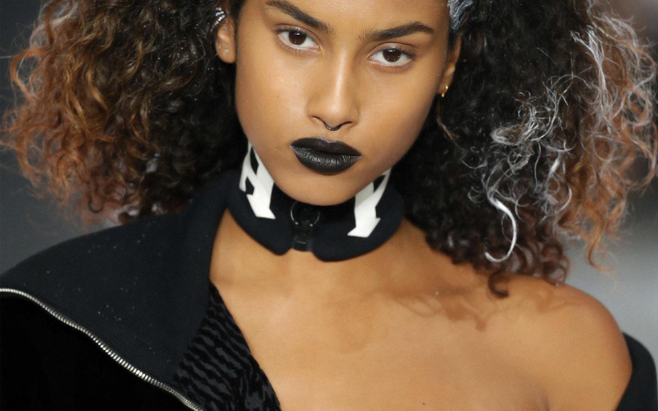 Rihanna (リアーナ) による Fenty x Puma (フェンティー×プーマ) ランウェイに見る、モデルトレンド最前線
