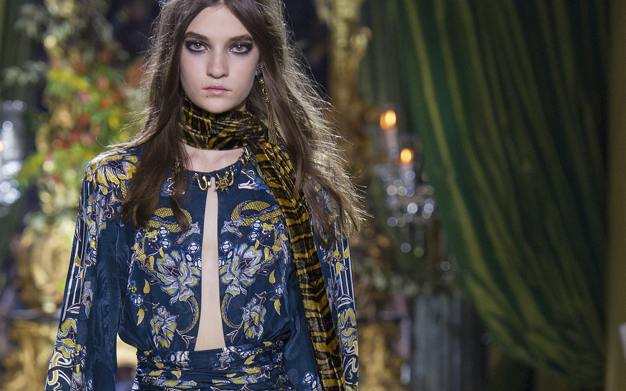 roberto cavalli articles Roberto cavalli goes for millennial glamour if paul surridge's debut felt like he'd isolated a zone where cavalli and he could bond, with this collection the.