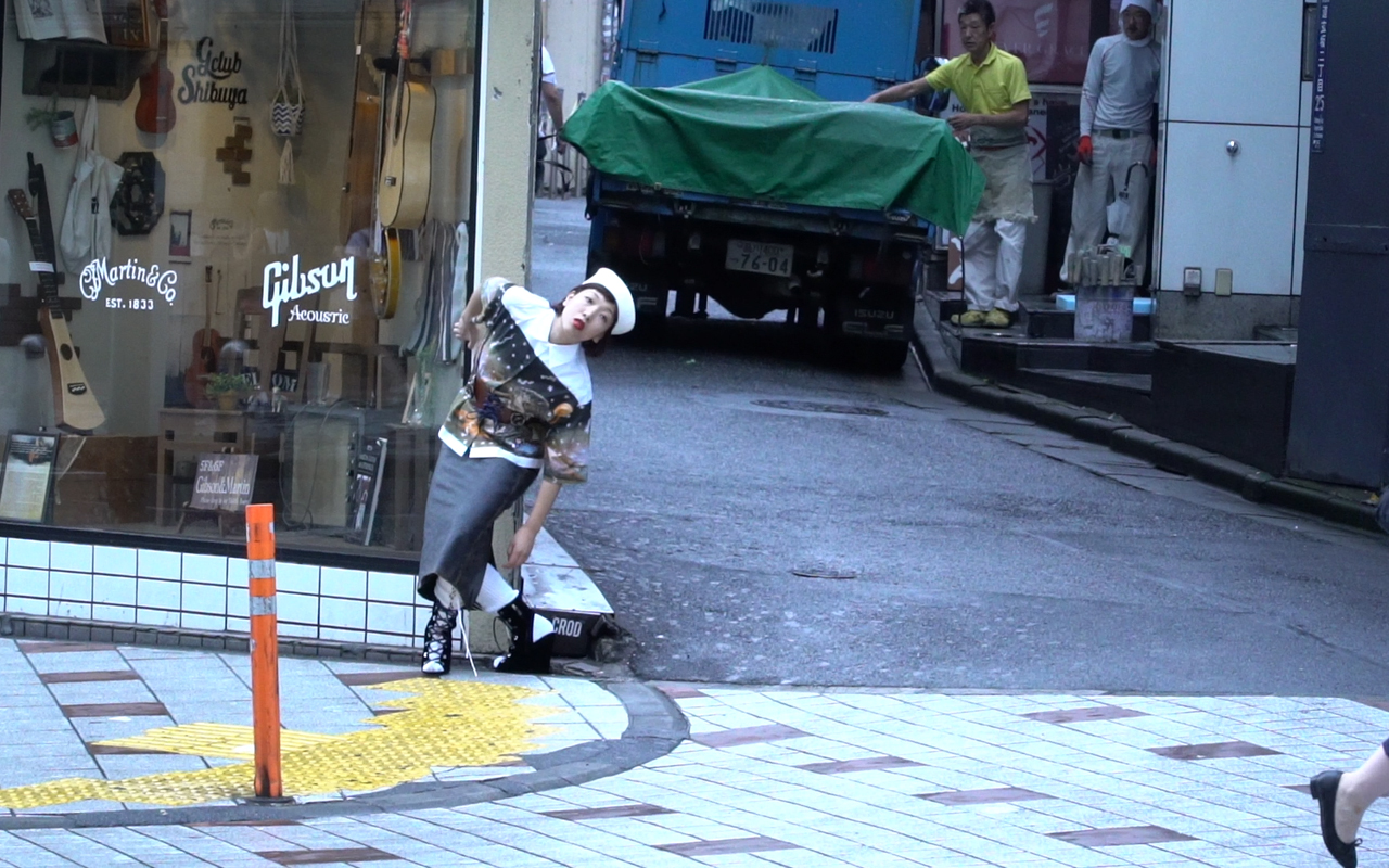 【The Look】安藤サクラが纏う、Prada (プラダ) 2016-17年秋冬コレクション