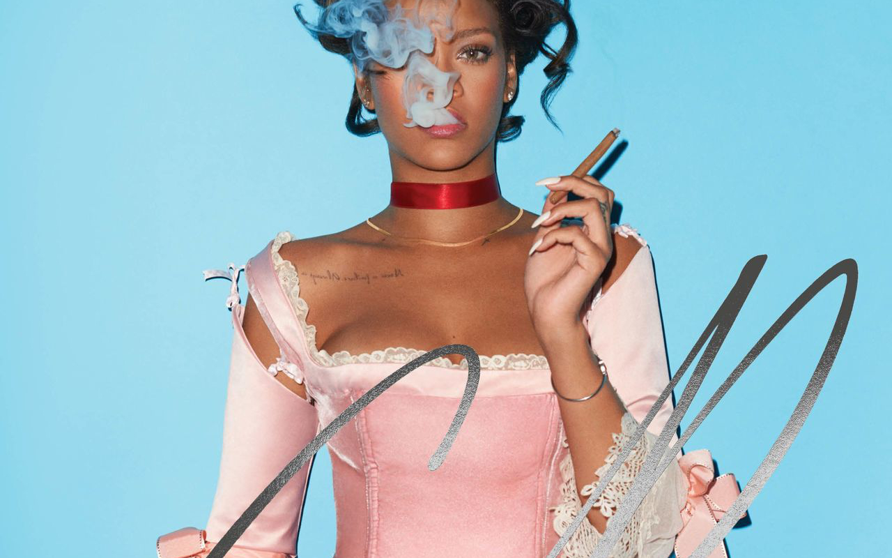Rihanna (リアーナ) が『CR Fashion Book』最新号にて現代版マリー・アントワネット姿を披露
