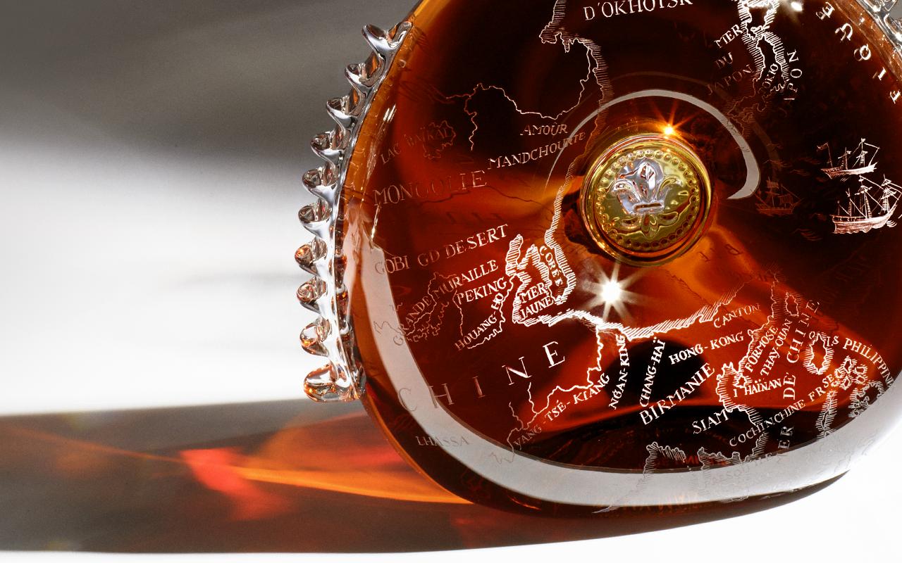"""世界最高峰のコニャック「ルイ13世」が、フランスの3大ラグジュアリーメゾンと """"クアドラプル"""" コラボ。3つの限定デキャンタを約6000万円で落札"""