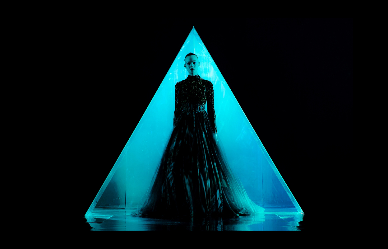 ファッション業界の衝撃の悪夢を描くN.W.レフン監督の最新作『ネオン・デーモン』公開目前!追加ビジュアルが公開