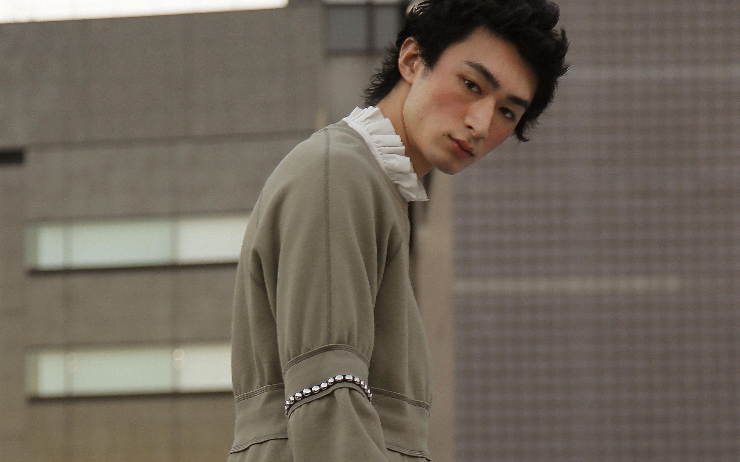 【The Look × Droptokyo】海老原拓弥とバーバリー、東京が紡ぎ出すネオ・ロマンティシズム