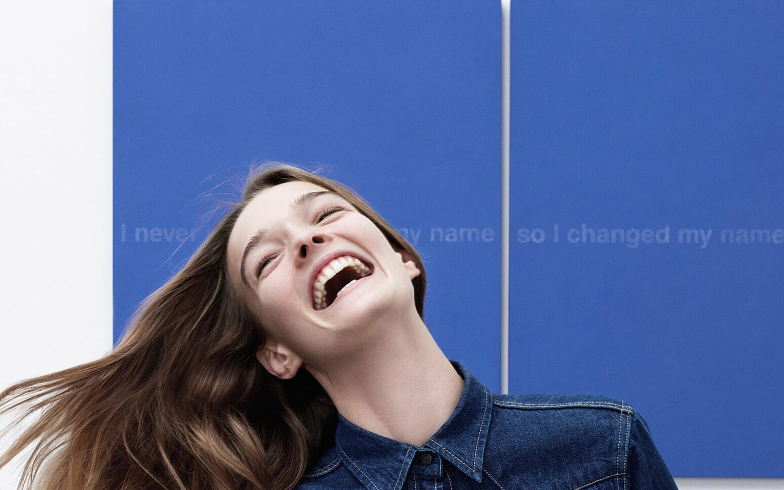 Raf Simons (ラフ・シモンズ) による 新生 Calvin Klein (カルバン・クライン) について、知っておくべき5つのこと