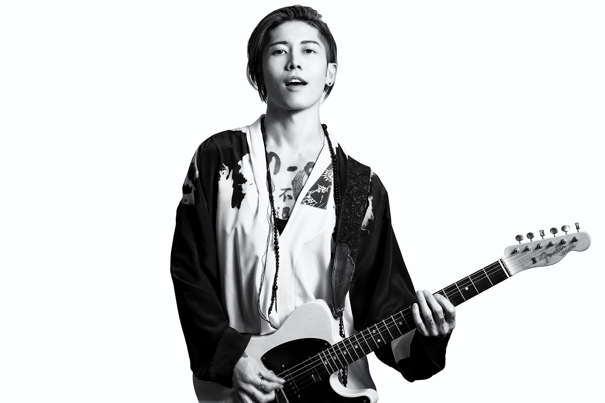 http://static.fashionpost.jp/article/wp-content/uploads/2017/04/05231253/miyavi-insert-0405-2.jpg