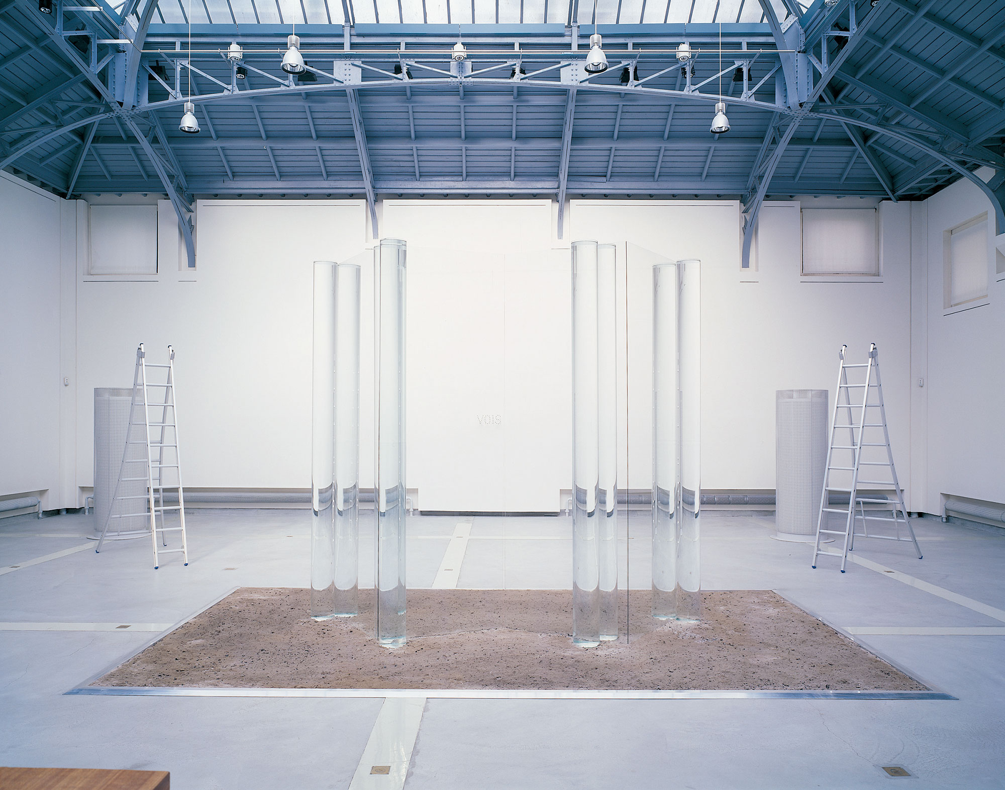 BOIS/VOIS/SOIS|2002 Glass, water, ash |700 x 300 cm|Installation view at La VerriËre HermËs, Brussels Photo: Fabien de Cugnac Courtesy of the artist
