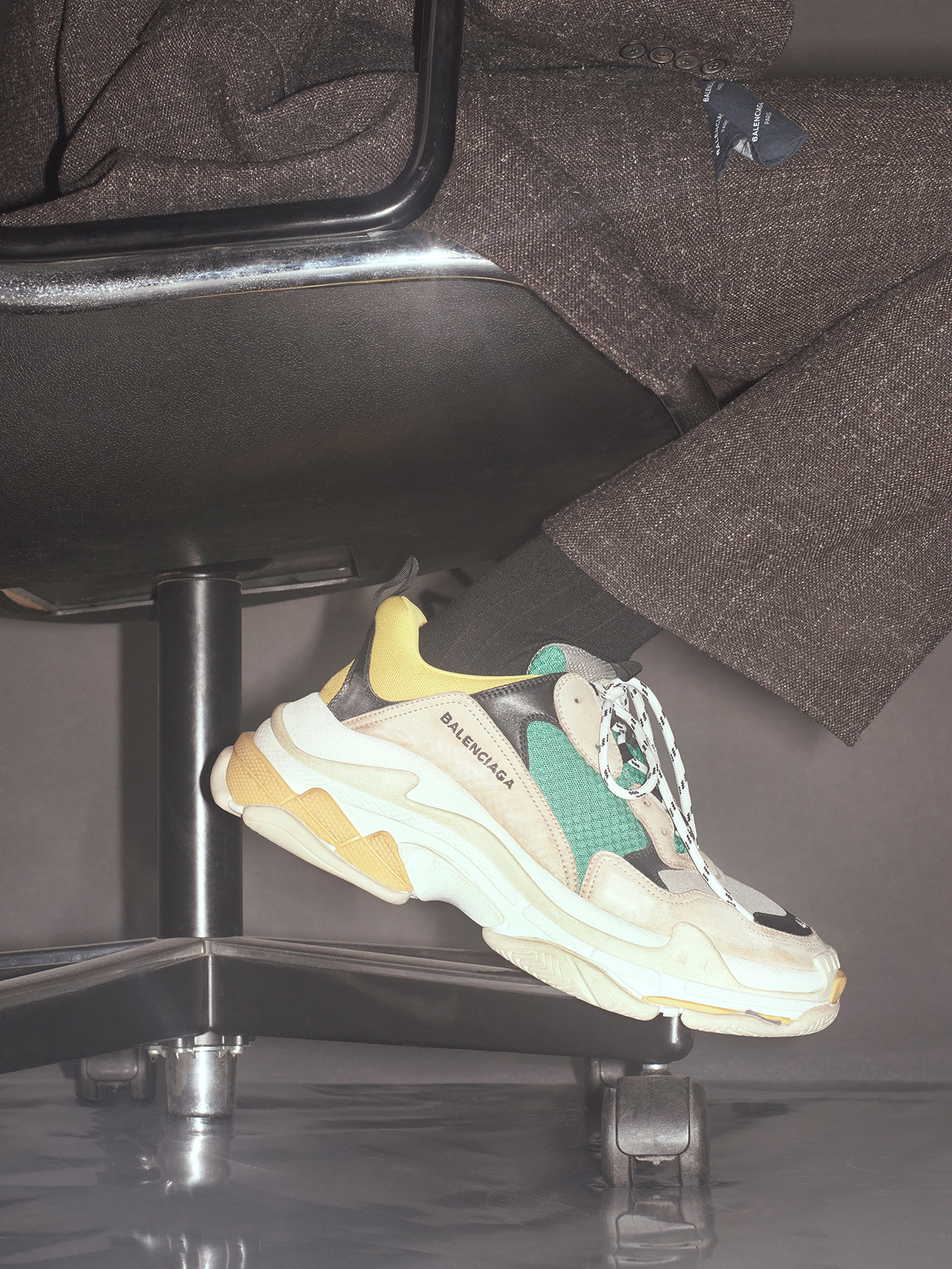 「TRIPLE S」| Courtesy of BALENCIAGA