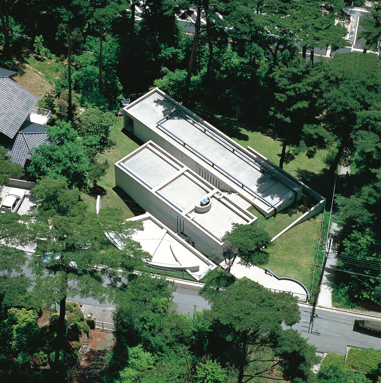小篠邸 (1981/1984) 兵庫県芦屋市 撮影: 新建築社 写真部 / Koshino House (1981/1984) Ashiya, Hyogo Photo: Shinkenchiku-sha