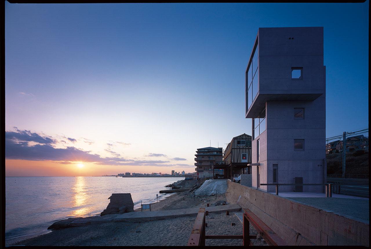 4×4の住宅 (2003) 兵庫県神戸市 撮影: 松岡満男 / 4 x 4 House (2003) Kobe, Hyogo Photo: Mitsuo Matsuoka