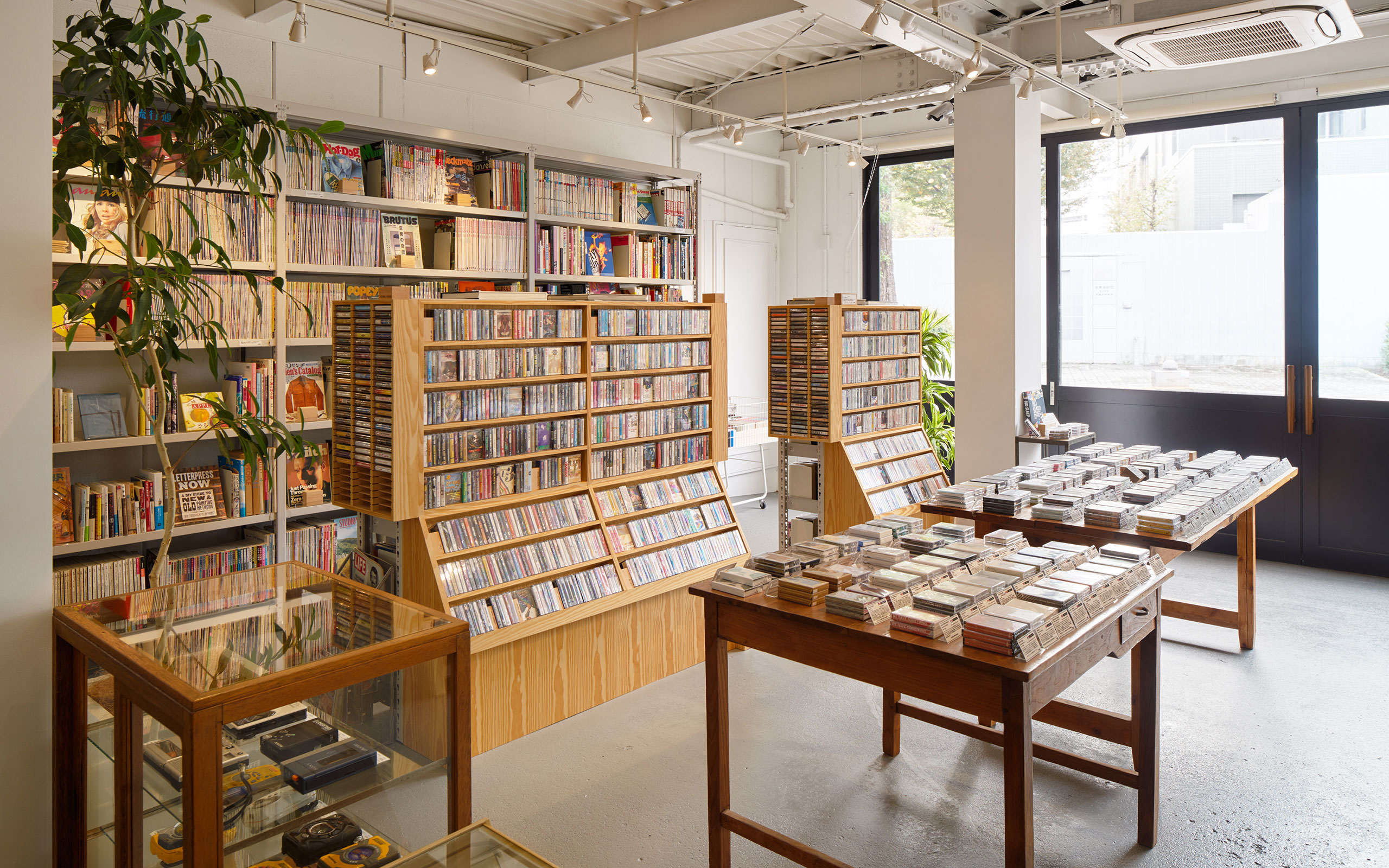 Gucci Collaborates With waltz, A Cassette Tape Shop In Tokyo
