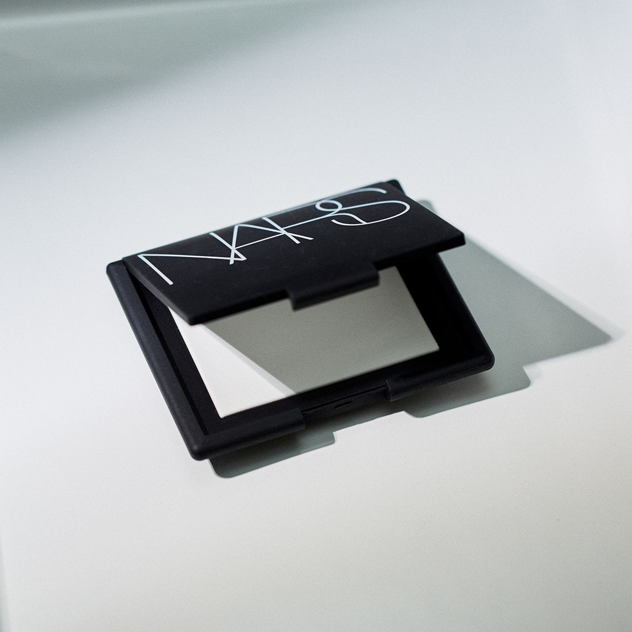 NARS ライトリフレクティングセッティングパウダー プレストN ¥4,700