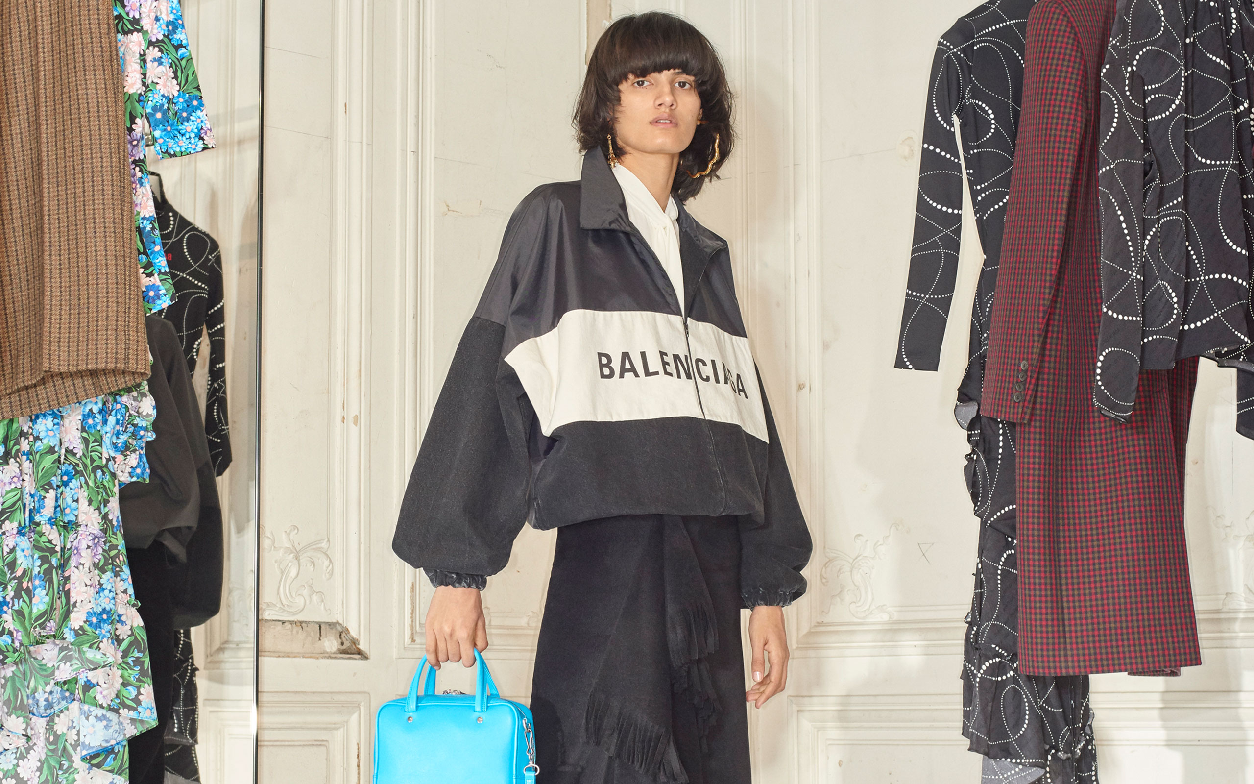 Balenciaga Introduces Women Fall 18 Collection