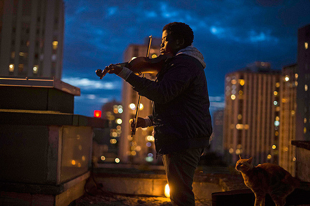 ©︎2017 / MIZAR FILMS / UGC IMAGES / FRANCE 2 CINEMA / LA CITE DE LA MUSIQUE - PHILHARMONIE DE PARIS