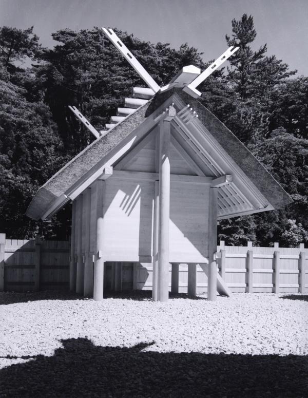 渡辺義雄〈伊勢神宮〉より 《内宮東宝殿》 1953年