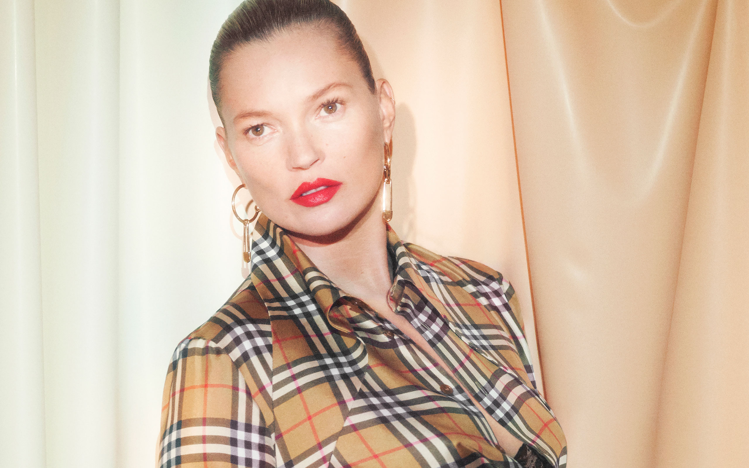 Kate Moss Stars In Burberry × Vivienne Westwood's Campaign