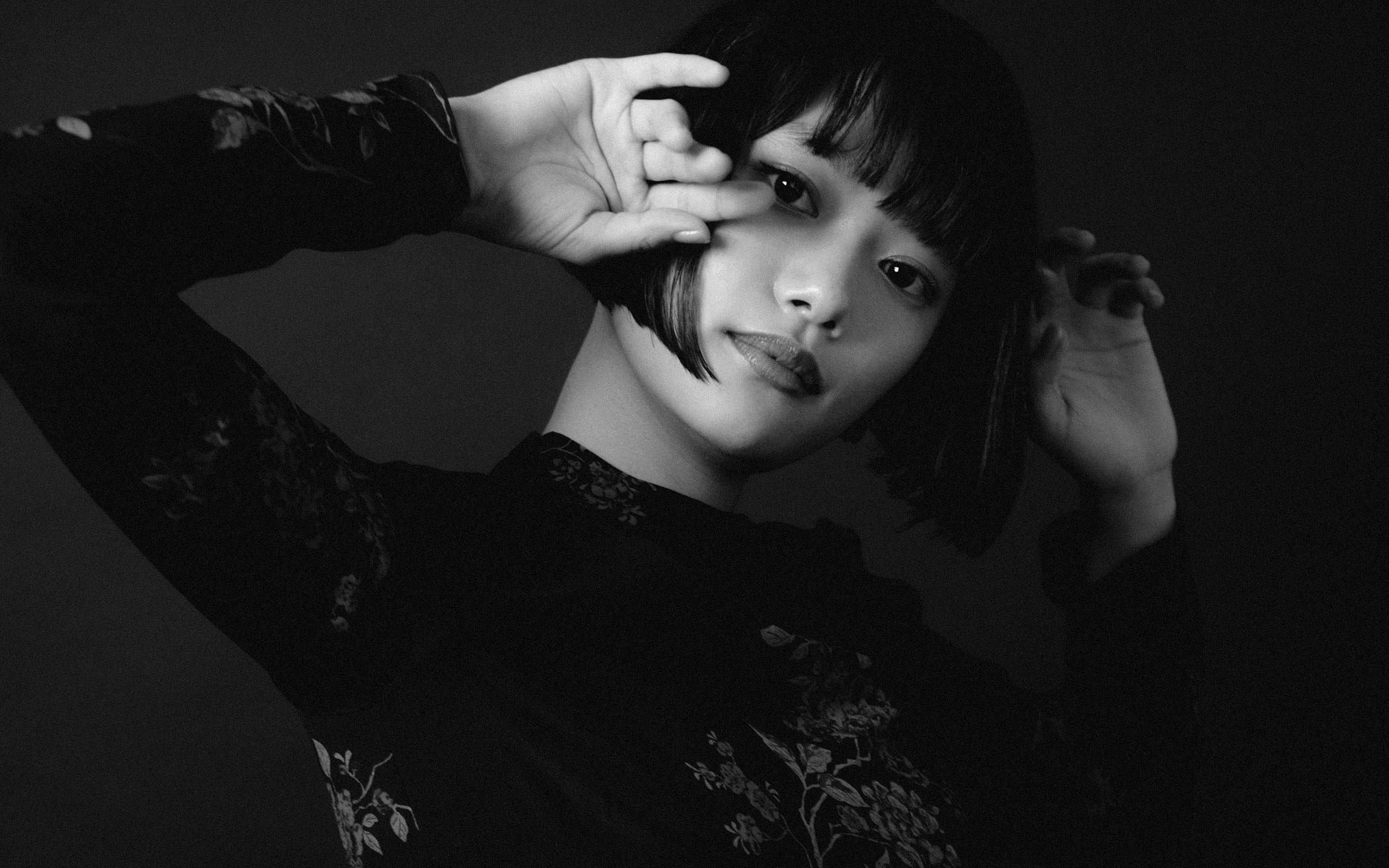 ドレス¥184,000、REDValentino (レッド ヴァレンティノ ) |  Photo by Tetsuo Kashiwada