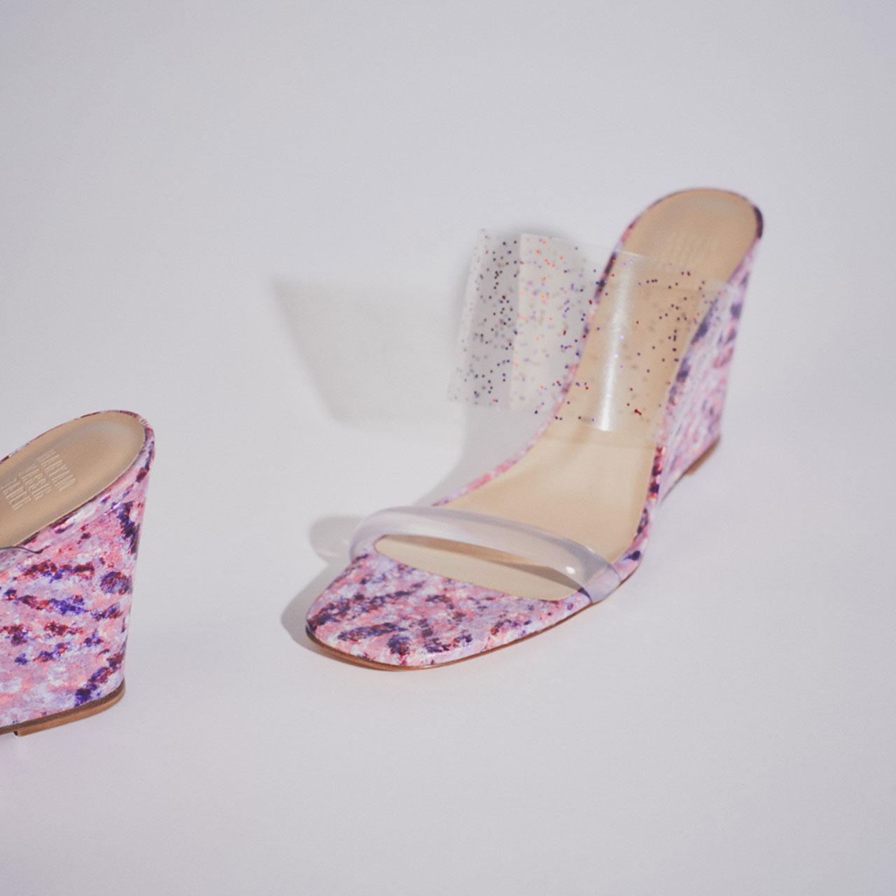 ¥65,000 [ヒール 9.5cm]、Maryam Nassir Zadeh/トゥモローランド 0120-983-511