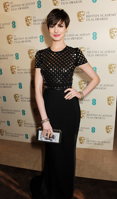 Anne_Hathaway_wearing_Burberry_to_the_66th_BAFTA_Awards
