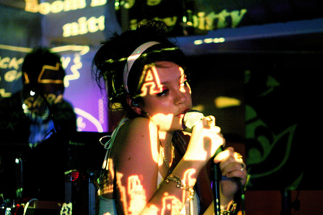 Lily Allen   Photo by music like dirt via Flickr