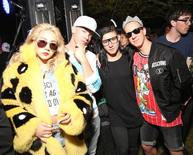 2NE1 (トゥエ二ィワン) の CL、DJ の Diplo (ディプロ)、 Skrillex (スクリレックス) | © Moschino