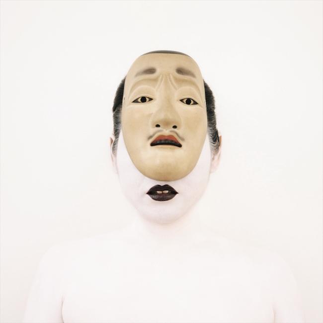 The Bride with a NNt Moustaches, Japan,  XIXth Century. Self-portrait,2005 ヨシダ キミコ「日本の髭のある能面を被った花嫁、19世紀」、セルフポートレート、2005 PHOTO: ©KIMIKO YOSHIDA, Courtesy of the Israel Museum, Jerusalem