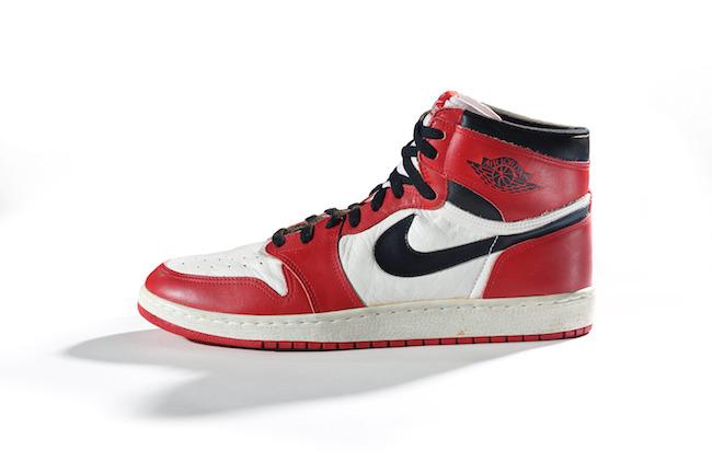 Nike「Air Jordan I」1985年 | Courtesy American Federation of Arts