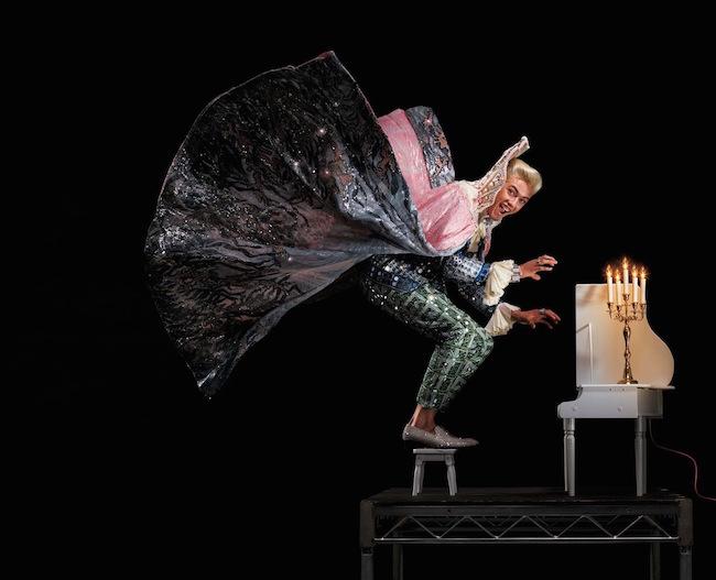 SNS セレブでモデルの Lucky Blue Smith 扮する、伝説のピアニスト Liberace (リベラーチェ) | Photography Jean-Paul Goude