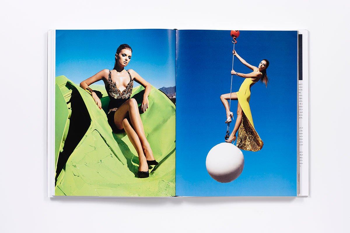 アメリカ版『Harper's Bazaar』2007年3月号より、Lily Donaldson (リリー・ドナルドソン) のエディトリアル。Sølve Sundsbø (ソルヴェ・スンツヴォ) 撮影。| Image via Amazon