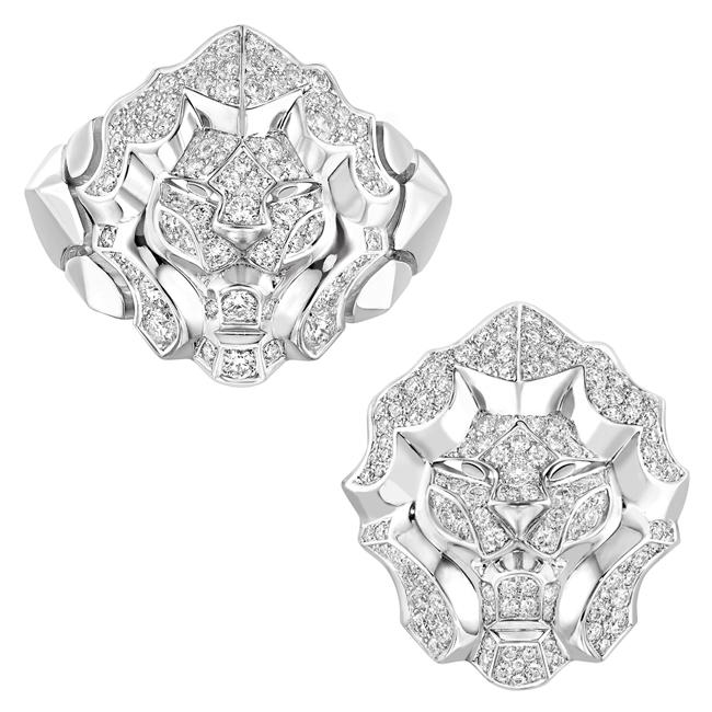 (左から) Sous le Signe du Lion リング (WG、ダイヤモンド 0.53 ct) ¥ 1,065,000、リング (WG、ダイヤモンド 0.97ct) ¥ 1,297,500 | © Chanel