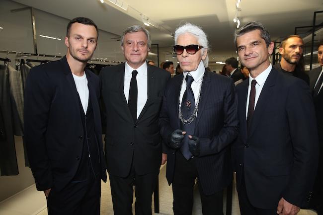(左から) Kris Van Assche (クリス・ヴァン・アッシュ)、Christian Dior COUTURE 社長兼 C.E.O Sidney Toledano (シドニー・トレダノ)、Karl Lagerfeld (カール・ラガーフェルド)、DIOR HOMME プレジデント Serge Brunschwig (セルジュ・ブランシュウィッグ) | © Saskia Lawaks