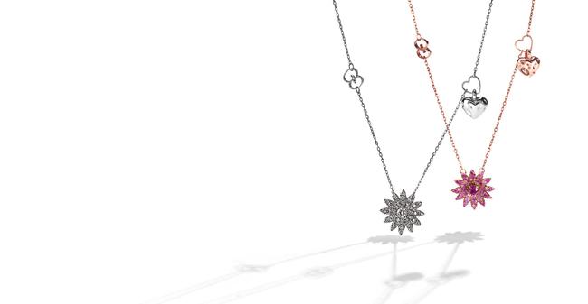 「グッチ フローラ コレクション」ネックレス 左から: (18Kホワイトゴールド、ダイヤモンド) ¥420,000、(18Kピンクゴールド、ピンクサファイア、ルビー) ¥350,000