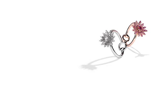 「グッチ フローラ コレクション」リング 左から: (18Kホワイトゴールド、ダイヤモンド) ¥295,000、(18Kピンクゴールド、ピンクサファイア、ルビー) ¥269,000